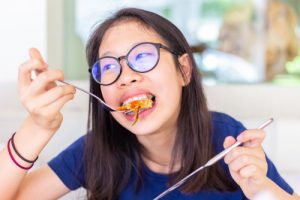 foods to avoid when you're wearing braces soleil orthodontics